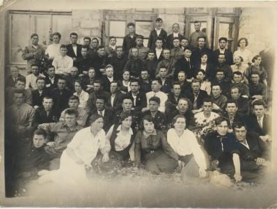 Учащиеся вечерней школы № 7 г. Комсомольск-на-Амуре. 1936 г.